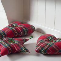 Karácsonyi skót kockás díszek